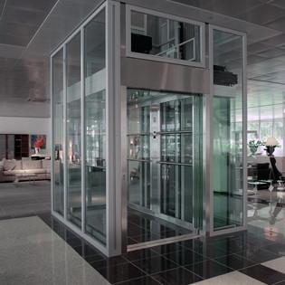 Glazen personenliften